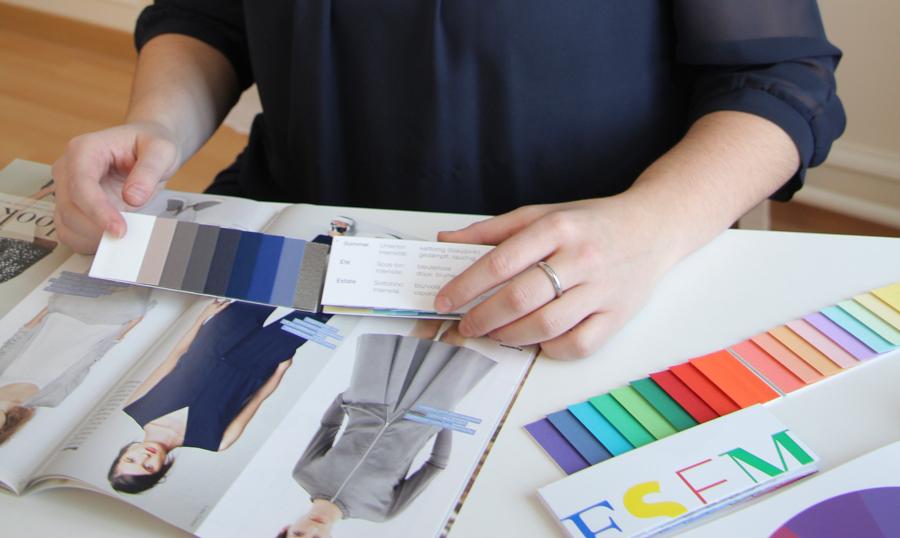 Stilberatung Symbolbild Hände, Modemagazin